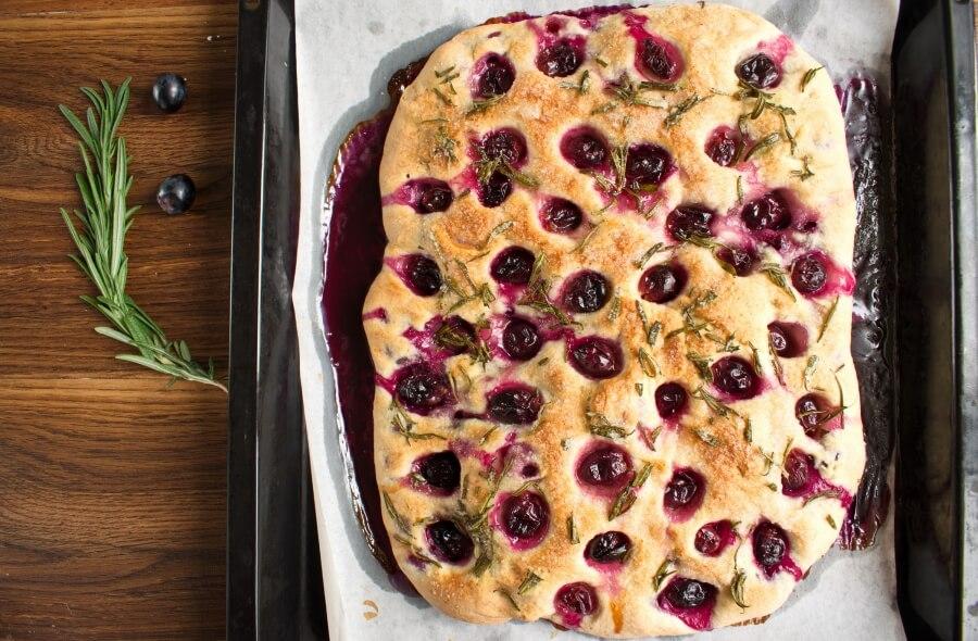 Grape Schiacciata recipe - step 10