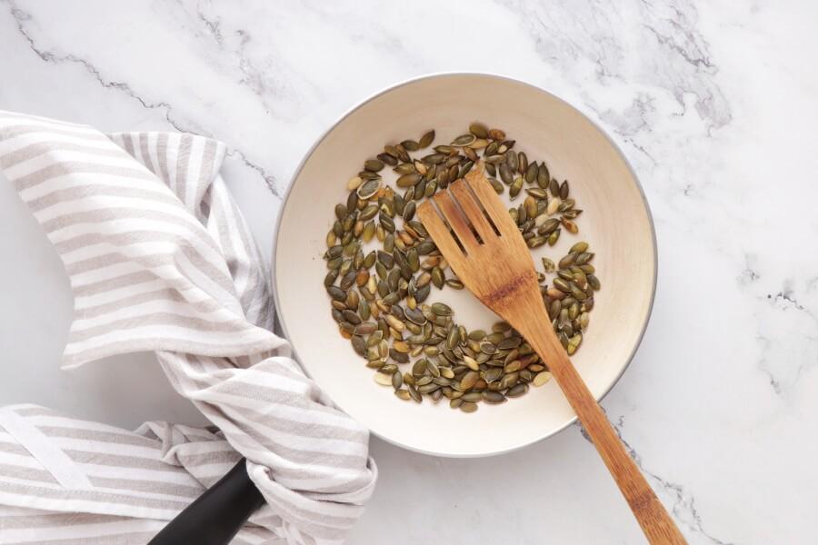 Healthy Pesto, Avocado and Chicken Salad Sandwich recipe - step 4