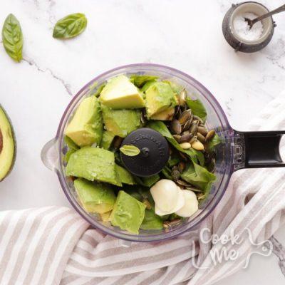Healthy Pesto, Avocado and Chicken Salad Sandwich recipe - step 6