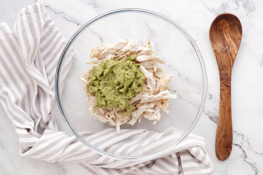 Healthy Pesto, Avocado and Chicken Salad Sandwich recipe - step 7