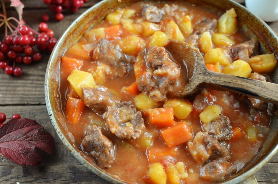 How to serve Hearty Baked Beef Stew