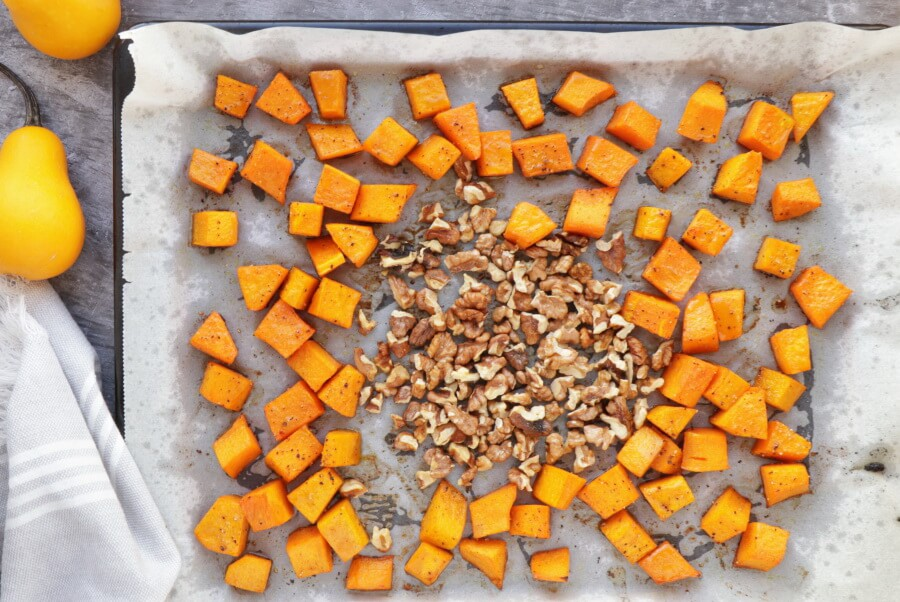 Maple-Roasted Pumpkin and Chicken Salad recipe - step 3