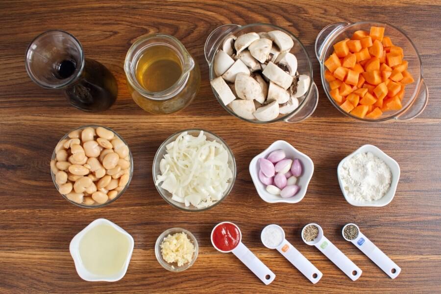 Ingridiens for Mushroom Bean Bourguignon