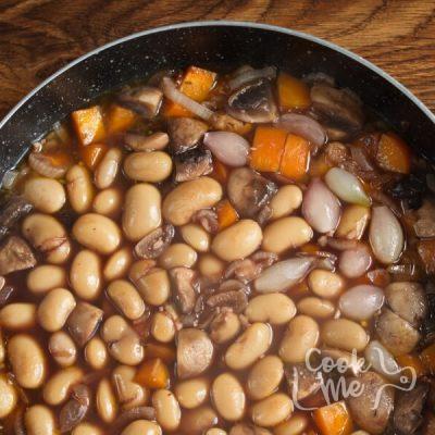 Mushroom Bean Bourguignon recipe - step 6
