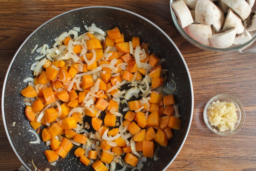 Mushroom Bean Bourguignon recipe - step 1