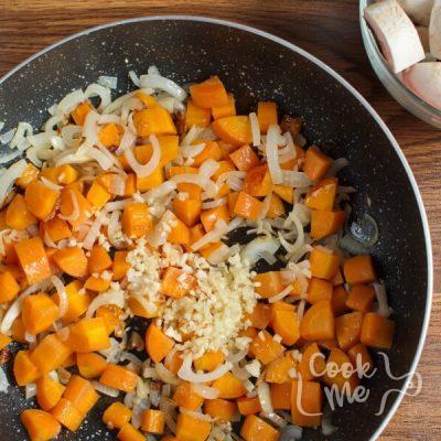 Mushroom Bean Bourguignon recipe - step 2