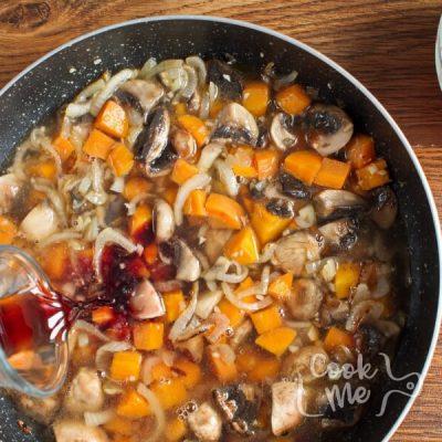 Mushroom Bean Bourguignon recipe - step 4