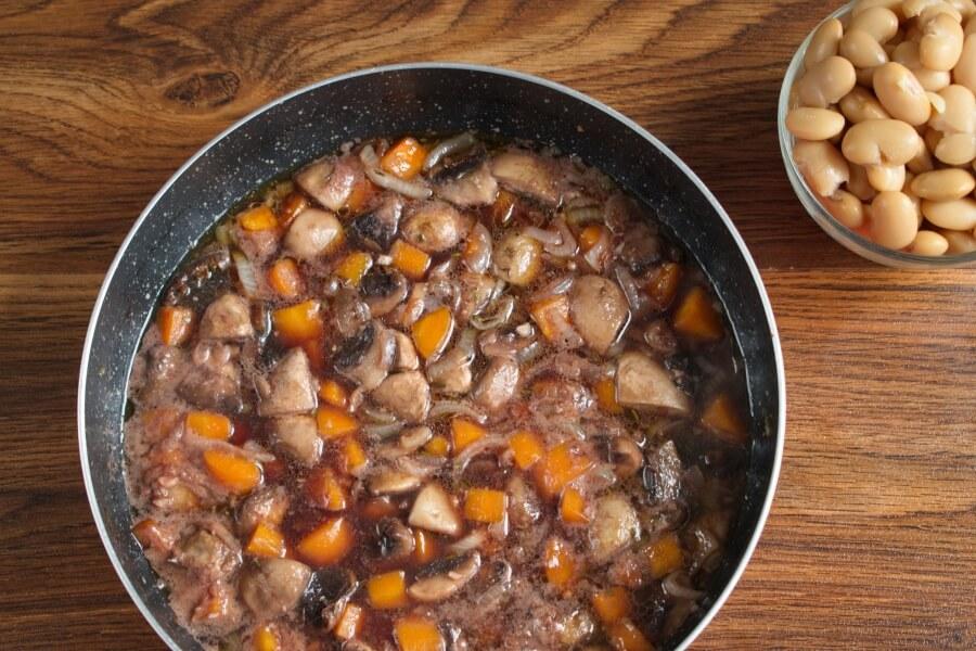 Mushroom Bean Bourguignon recipe - step 5