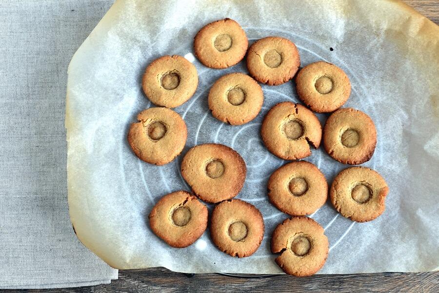 Peanut Butter Spider Cookies recipe - step 8
