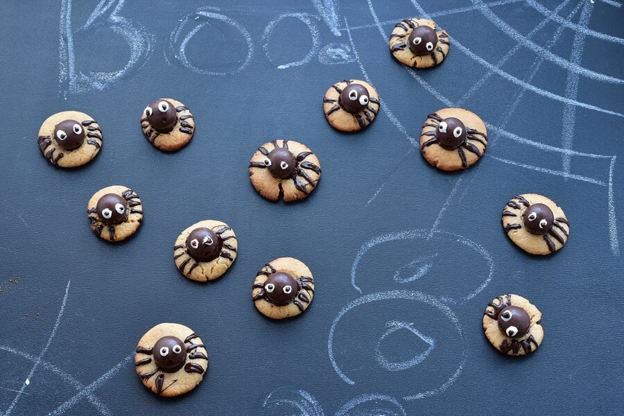 How to serve Peanut Butter Spider Cookies