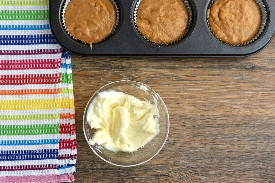 Pumpkin Cream Cheese Swirl Muffins recipe - step 6