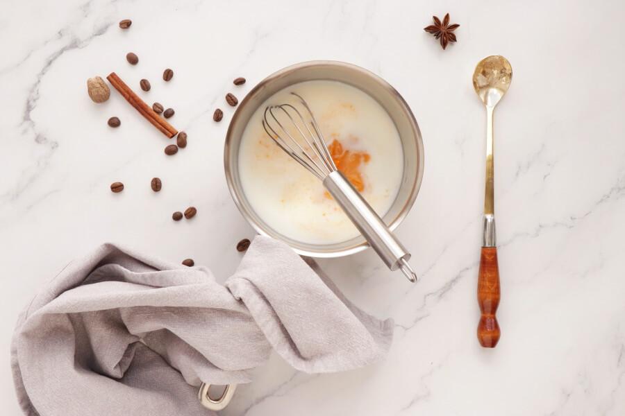 Pumpkin Pie Latte recipe - step 1