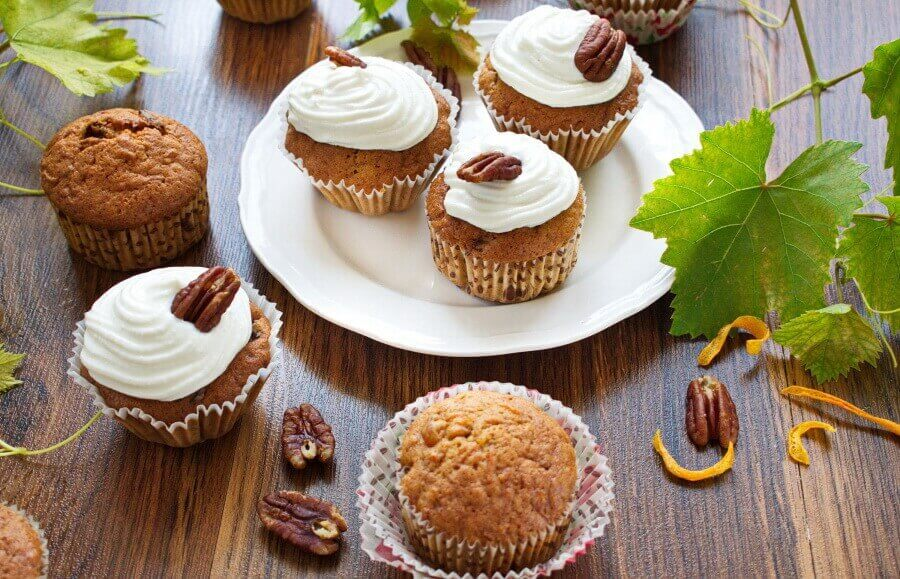 How to serve Pumpkin passion cupcakes