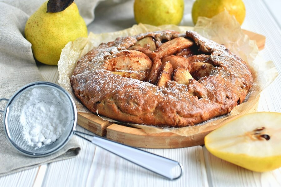 How to serve Rustic Pear Pie
