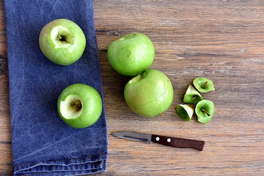 Spiced Roasted Apples & Blackberries recipe - step 2