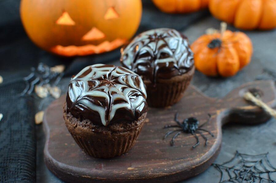 How to serve Spider Web Chocolate Fudge Muffins