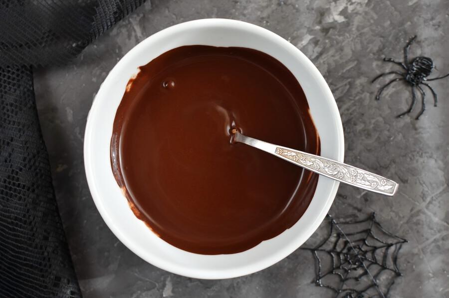 Spider Web Chocolate Fudge Muffins recipe - step 2