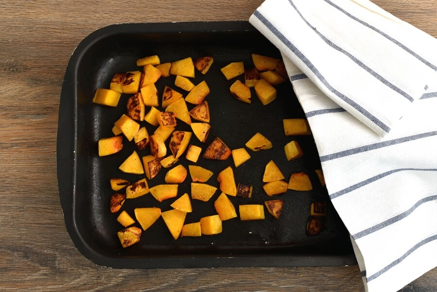 Sweet and Spicy Butternut Squash Pizza recipe - step 6