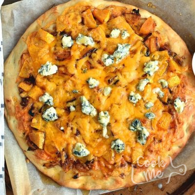 How to serve Sweet and Spicy Butternut Squash Pizza