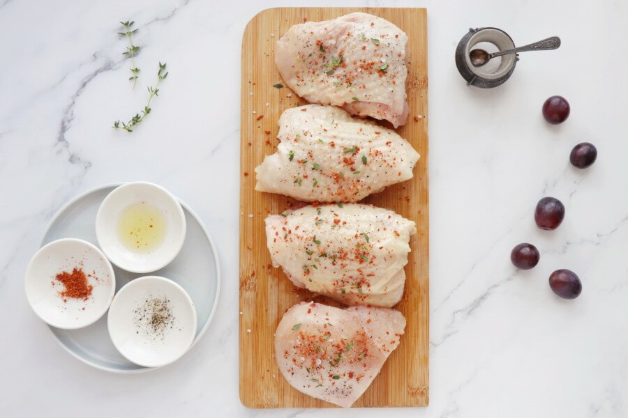 Thyme Roasted Chicken with Grapes and Burrata recipe - step 2