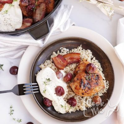 Thyme Roasted Chicken with Grapes and Burrata Recipe-How to Make Thyme Roasted Chicken with Grapes and Burrata-Delicious Thyme Roasted Chicken with Grapes and Burrata