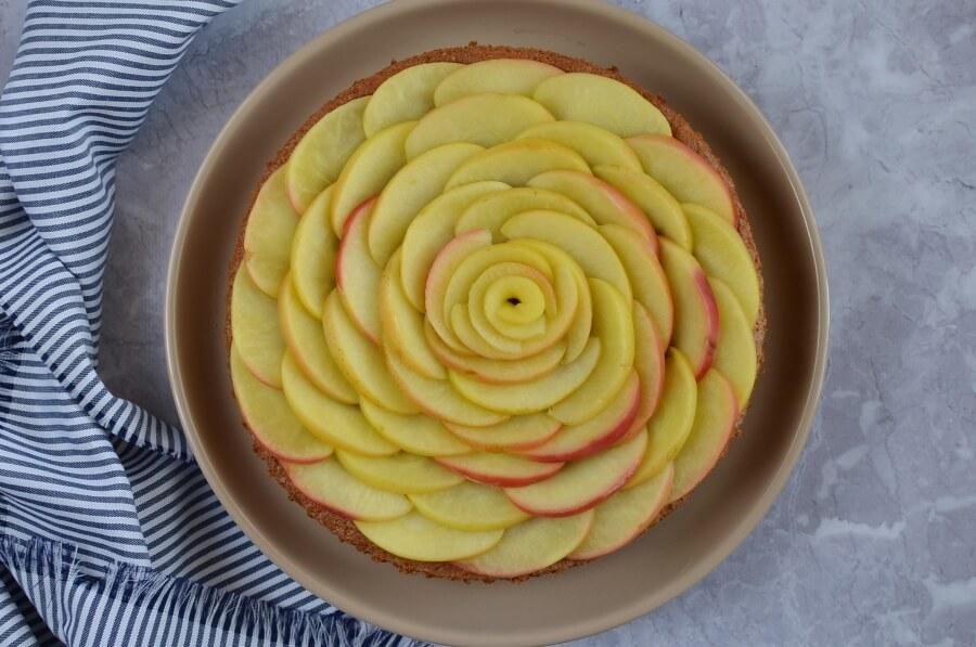 Cinnamon Glaze Apple Cake recipe - step 7