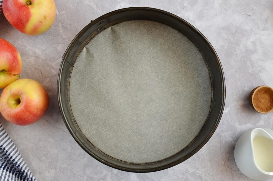 Cinnamon Glaze Apple Cake recipe - step 1