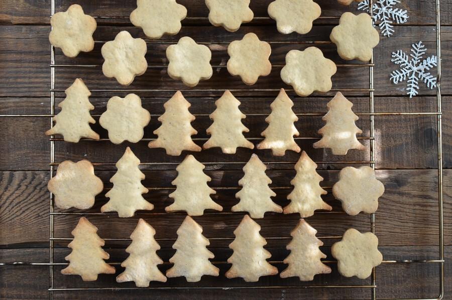 Chai Tree and Snowflake Cookies recipe - step 8