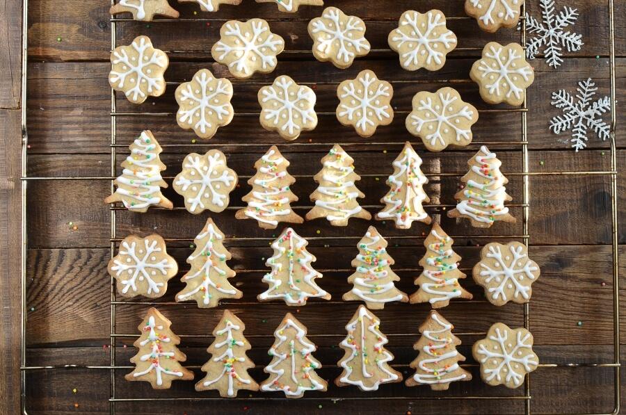 Chai Tree and Snowflake Cookies recipe - step 9