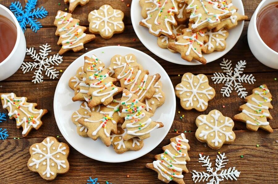 How to serve Chai Tree and Snowflake Cookies