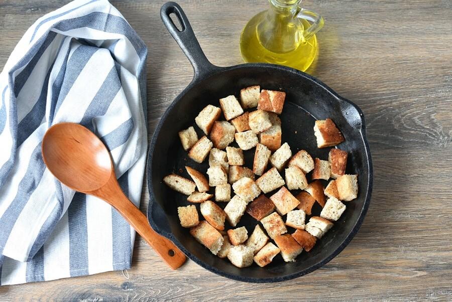 Classic Caesar Salad recipe - step 1