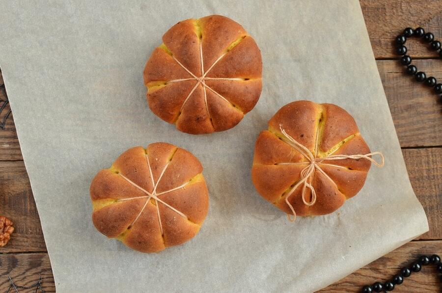 Cream Cheese Stuffed Pumpkin Dinner Rolls recipe - step 8