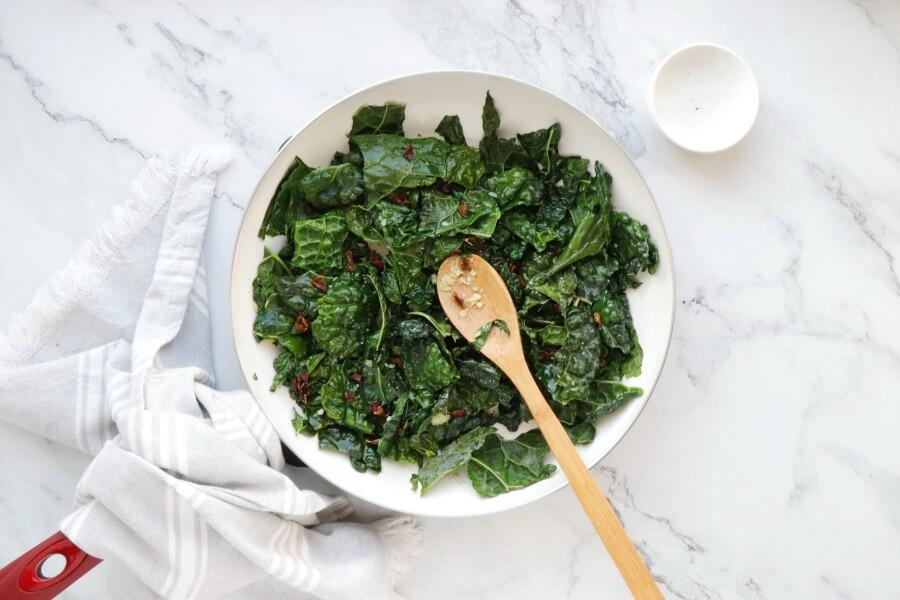 Creamy Vegan Gnocchi with Garlic & Kale recipe - step 3