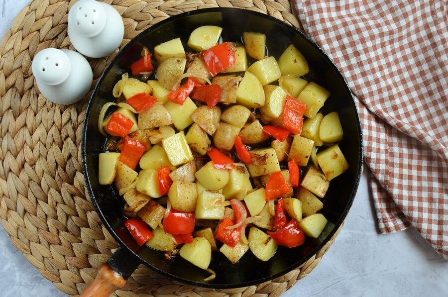 Easy Skillet Fried Potatoes recipe - step 4