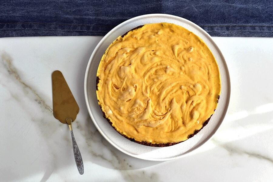 Frozen Pumpkin Mousse Pie recipe - step 8
