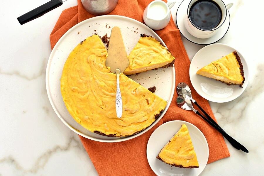 Frozen Pumpkin Mousse Pie Recipe-How To Make Frozen Pumpkin Mousse Pie-Delicious Frozen Pumpkin Mousse Pie