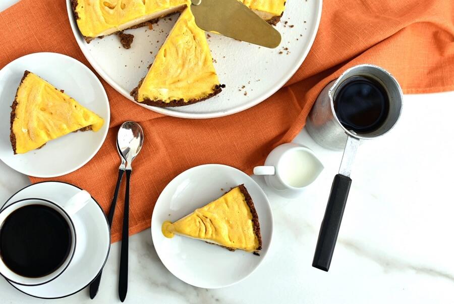 How to serve Frozen Pumpkin Mousse Pie