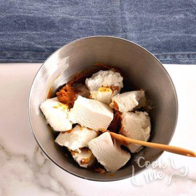 Frozen Pumpkin Mousse Pie recipe - step 6