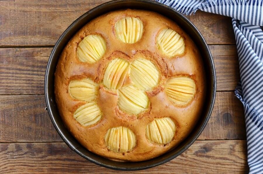 German Apple Cake (Versunkener Apfelkuchen) recipe - step 10