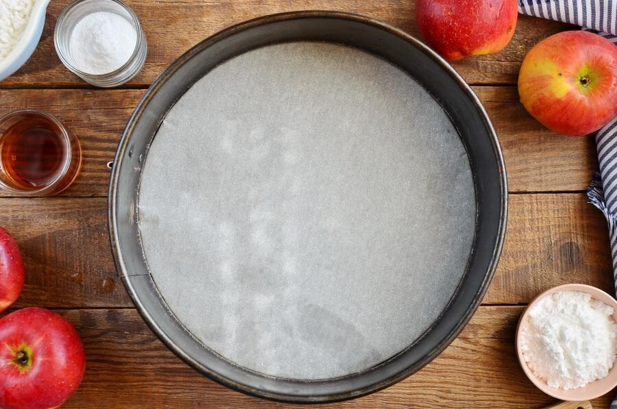 German Apple Cake (Versunkener Apfelkuchen) recipe - step 1
