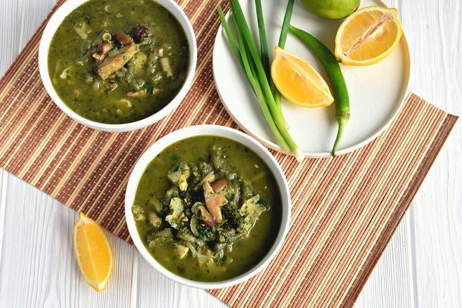 How to serve Green Curry Soup