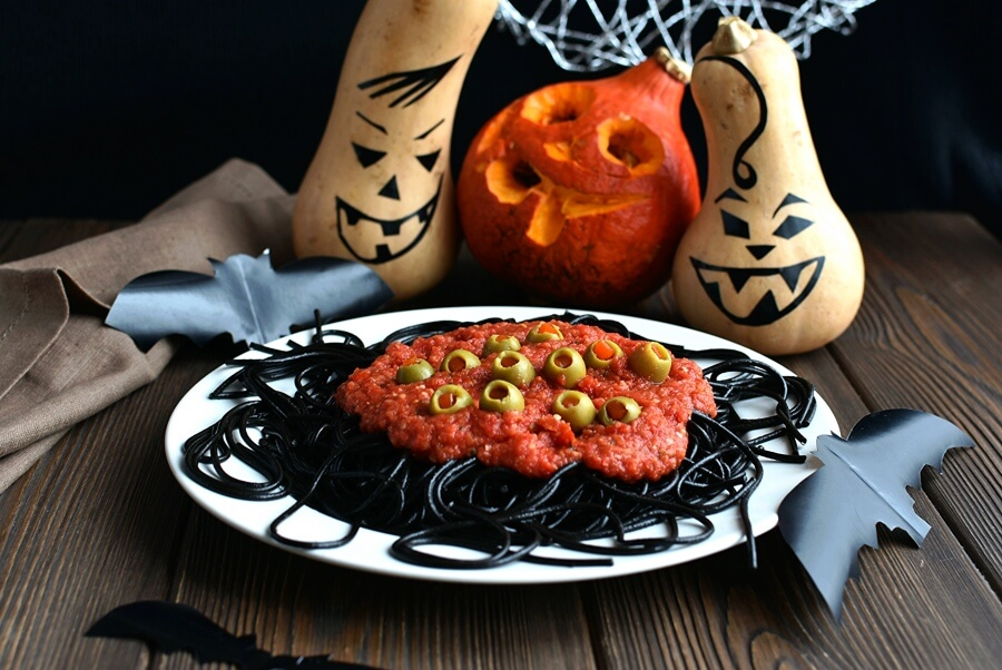 Halloween Spaghetti Recipe-How To Make Winter Halloween Spaghetti-Delicious Halloween Spaghetti