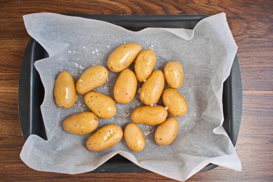Herb Roasted Fingerling Potatoes recipe - step 3
