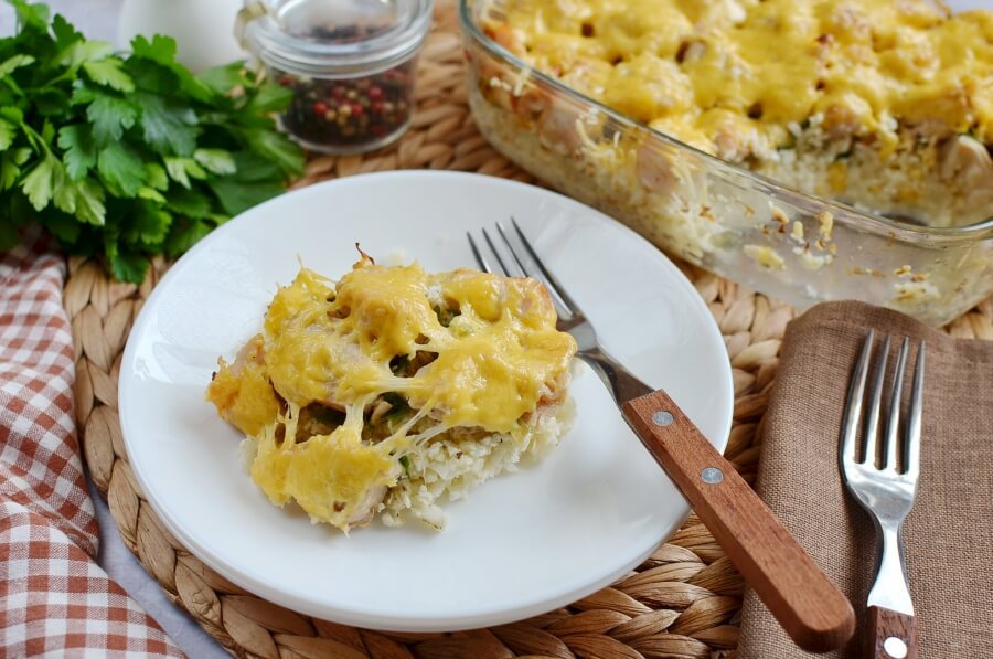 How to serve Low Carb Chicken and Cauliflower Casserole