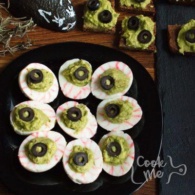 Monster Eyes Deviled Eggs Recipe-Spooky Monster Eyes Deviled Eggs for Halloween
