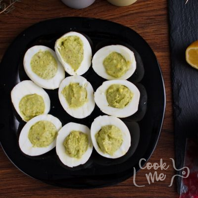 Monster Eyes Deviled Eggs recipe - step 3