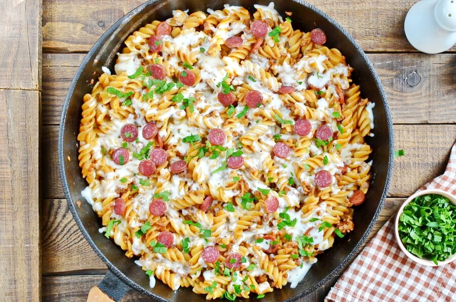 How to serve One Pot Pizza Pasta Bake