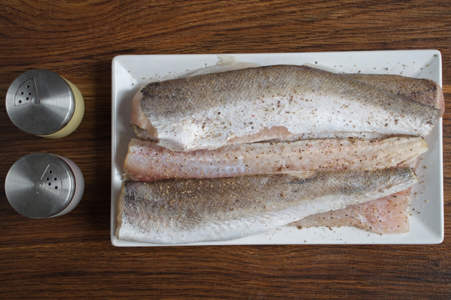 Panko Crusted Oven Fried Haddock recipe - step 2