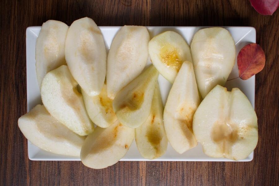 Pear Tarte Tatin recipe - step 3