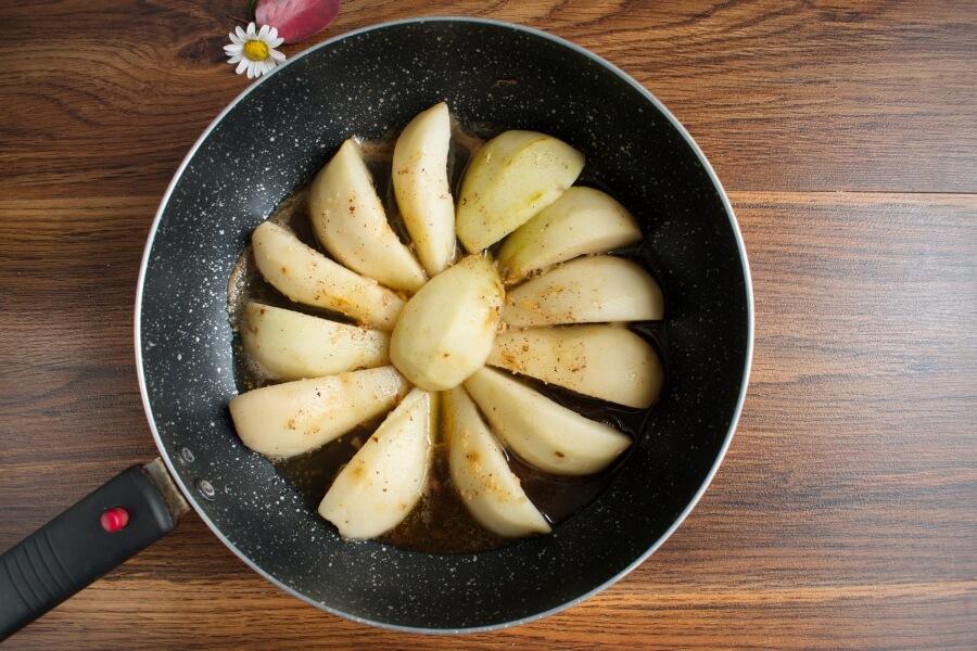 Pear Tarte Tatin recipe - step 5